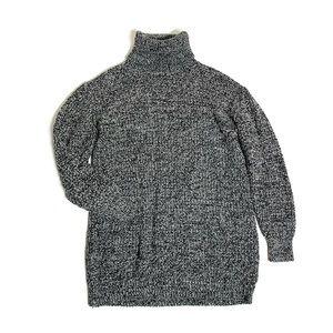 Brandy Melville loose turtleneck sweater S-M